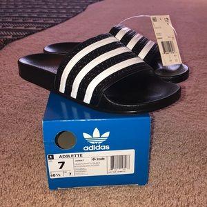 NWT Women's Size 7 Adidas Slides